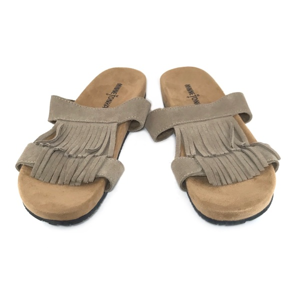 72a52a9cb  minnetonka  taupe colored Daisy sandals. M 5bef435cc61777c7d60c6e53